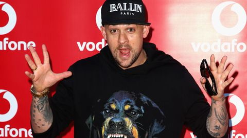 Joel Madden wants Shakira to join The Voice!