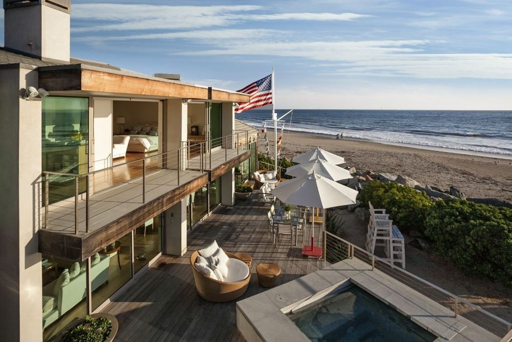 peek inside ellen degeneress luxurious beach house - Inside Luxury Beach Homes