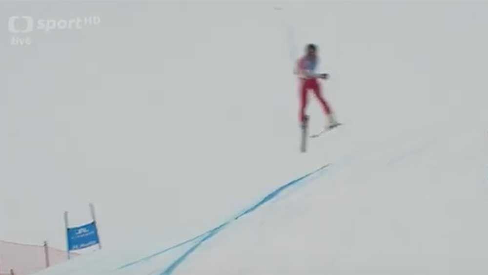Skiing: Skier survives terrifying crash at World Championships