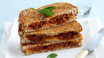 "Recipe: <a href=""http://kitchen.nine.com.au/2016/05/16/10/32/bolognese-and-egg-jaffles"" target=""_top"">Bolognese and egg jaffles</a>"