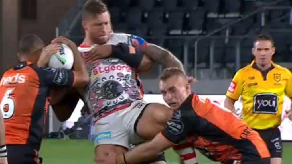 Bizarre knee incident could spell danger for Tariq Sims' Origin hopes