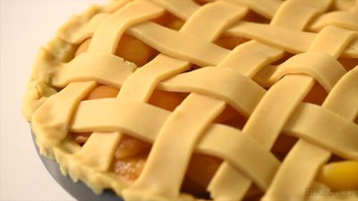 How to make an easy lattice pie crust