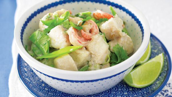 Simple seafood green curry