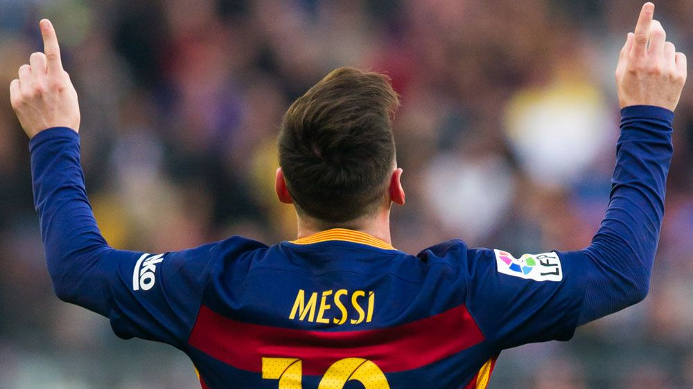 Messi passes 300 Liga goals as Barca extend lead