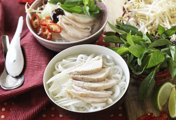 Easy Vietnamese chicken pho noodle soup