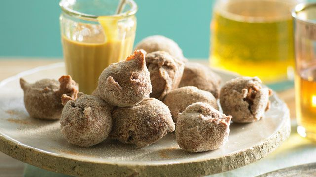 Chocolate fritters with rich caramel