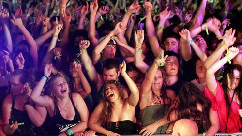 25,000 teenagers are expected on the Gold Coast for the annual Schoolies Week celebrations. (9NEWS)