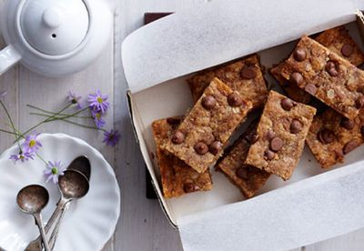 Peanut butter and choc chip slice