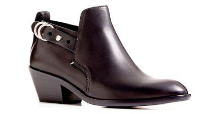 "<a href=""lhttp://www.tuchuzy.com/shoes/RAG-SULLIVAN-BOOT-RAG-W2528629L?colour_number=1&amp;colour_name=BLACK""> Boots, $569, Rag &amp; Bone</a>"