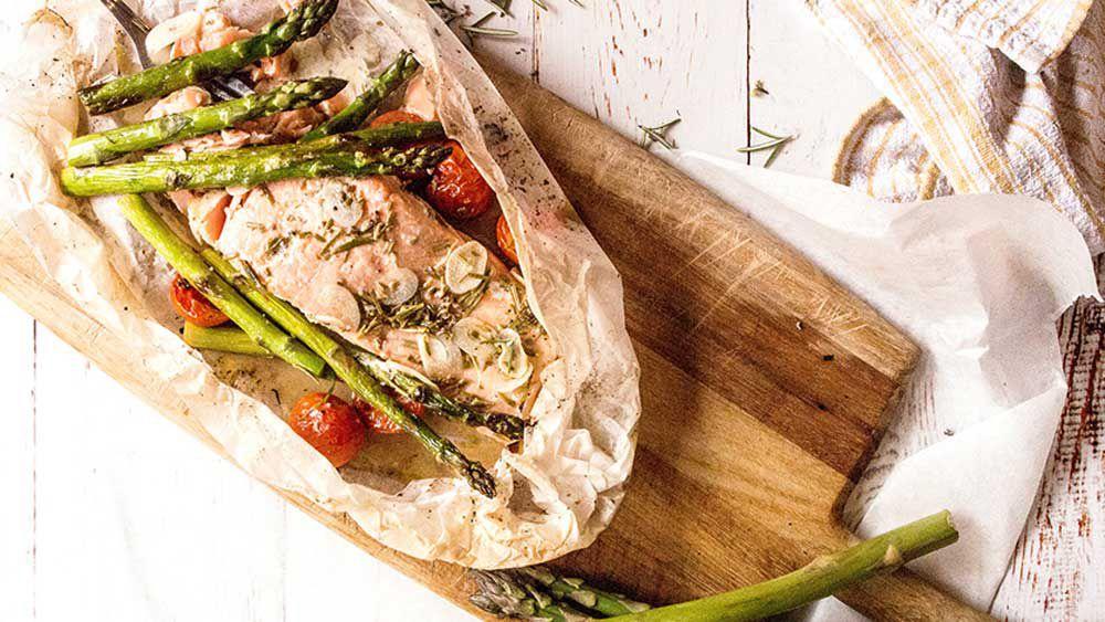 Lemon baked salmon with spring asparagus
