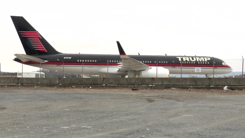 Mr Trump's 757 sits idle on March 2021.
