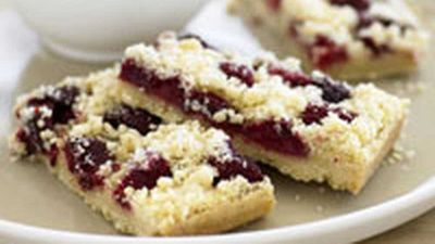 "Recipe:&nbsp;<a href=""http://kitchen.nine.com.au/2016/05/17/12/15/raspberry-crumble-shortcake"" target=""_top"">Raspberry crumble shortcake</a>"