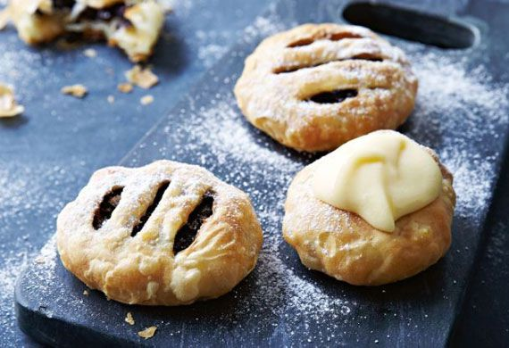 Nelly Robinson's Eccles cakes