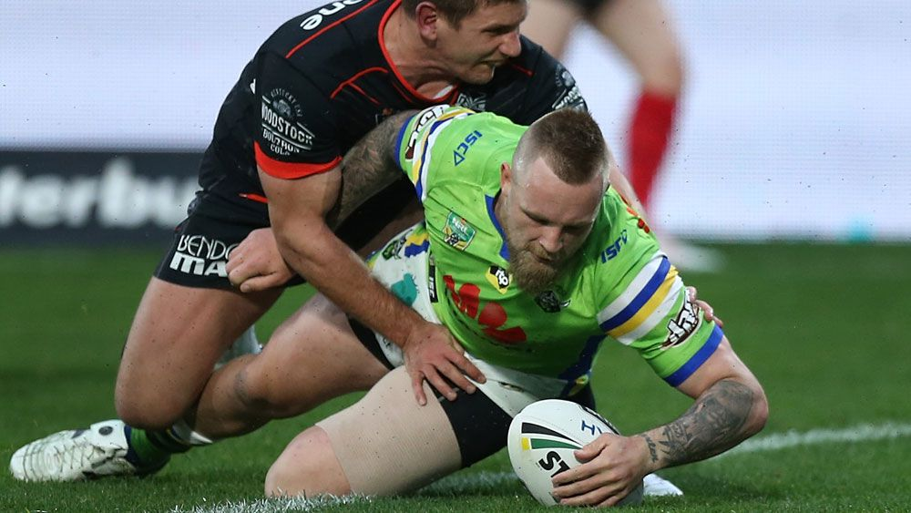 Canberra Raiders stay in NRL title hunt with win over Warriors at Mt Smart Stadium