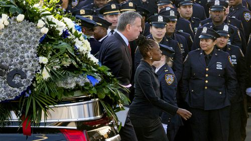 Cops snub New York mayor for second time at slain officer's funeral
