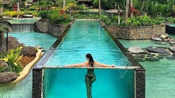 Private island\'s glass-walled swimming pool becomes ...