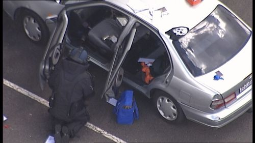 A suspect device was found in the car, triggering the emergency warning. (9NEWS)