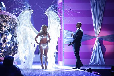 Heidi Klum and Seal at the 2005 Victoria's Secret Show