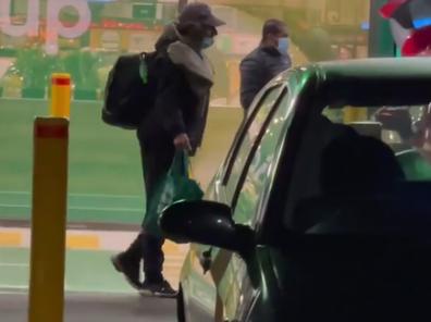 Melbourne police officer's kind gesture for homeless man