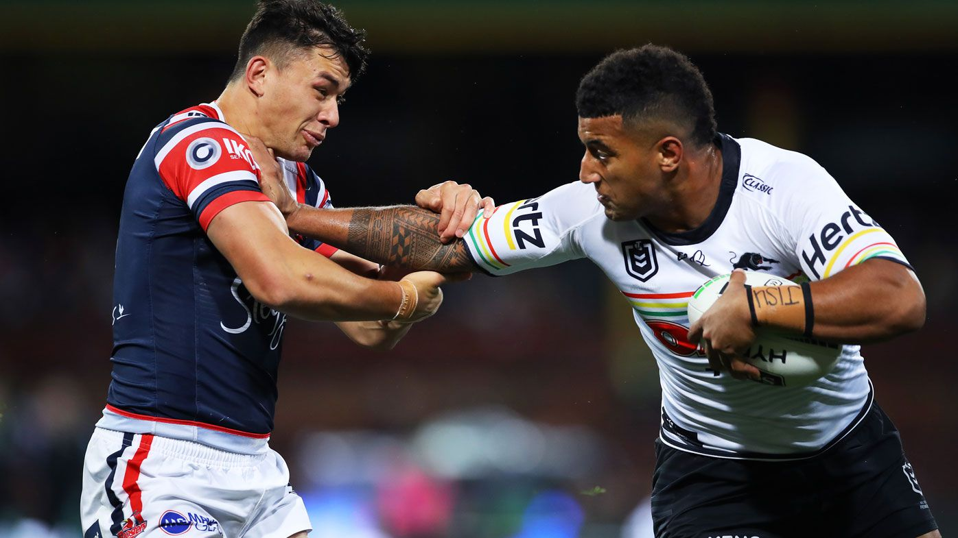 Kikau fends off Manu