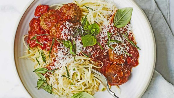 Parsnip noodles with meatballs