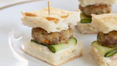"""<a href=""""http://kitchen.nine.com.au/2016/05/17/23/03/mini-thai-chicken-burgers"""" target=""""_top"""">Mini Thai chicken burgers</a>"""