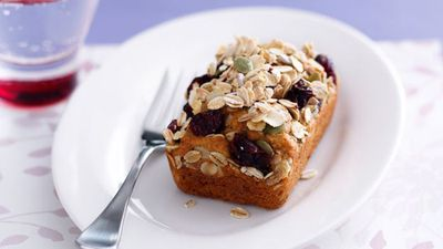 "Recipe:&nbsp;<a href=""http://kitchen.nine.com.au/2016/05/17/10/44/banana-loaves-with-muesli-topping"" target=""_top"" draggable=""false"">Banana loaves with muesli topping</a>"