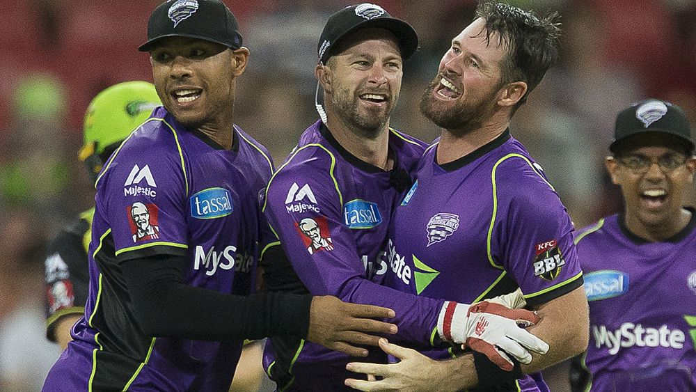 BBL: D'Arcy Short stars as Hobart Hurricanes beat Sydney Thunder for first win of the season