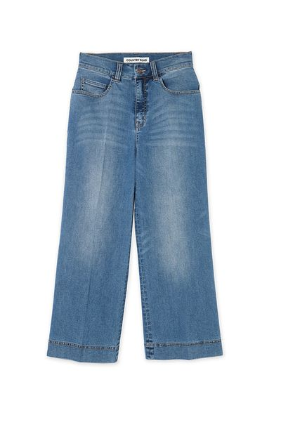 <p>I'll let my Chloé lace-up sandals peek out from under these jeans.</p>