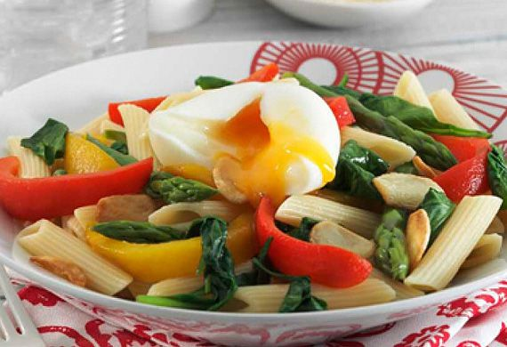 Pasta with roasted vegetables and poached egg