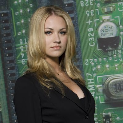 Yvonne Strahovski as Sarah Walker: Then