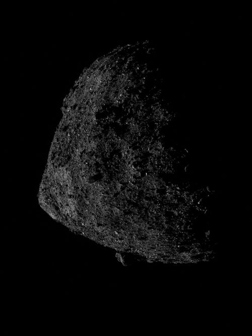 Daredevil spacecraft manoeuvred itself into a new orbit just less than 700 meters above the asteroid's surface. NASA/Goddard/University of Arizona