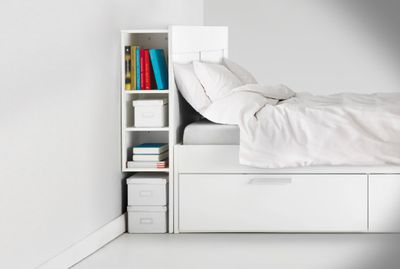 <strong>Headboard storage</strong>