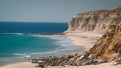 Just a 40-minute drive from Adelaide, Port Willunga beach is a stunning family destination.