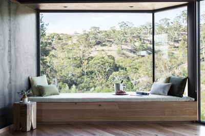 """<strong><a href=""""https://www.stayz.com.au/accommodation/vic/macedon-spa-country/daylesford/173688"""" target=""""_blank"""">Clifftops at Hepturn,&nbsp;Daylesford, NSW</a></strong>"""