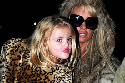 Whether it's Halloween, a school play or a plain ol' dress-up session, there are loads of Hollywood kiddies makin' like grown-ups and digging into mum's make-up supply.