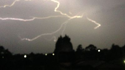 The storm hit Ringwood, in Melbourne's east early this morning. (Louise Malizia)