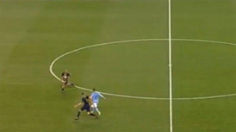 New York City FC striker David Villa scores 50m chip to beat Philadelphia Union