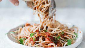 Spaghetti pomodoro with vegan tuna