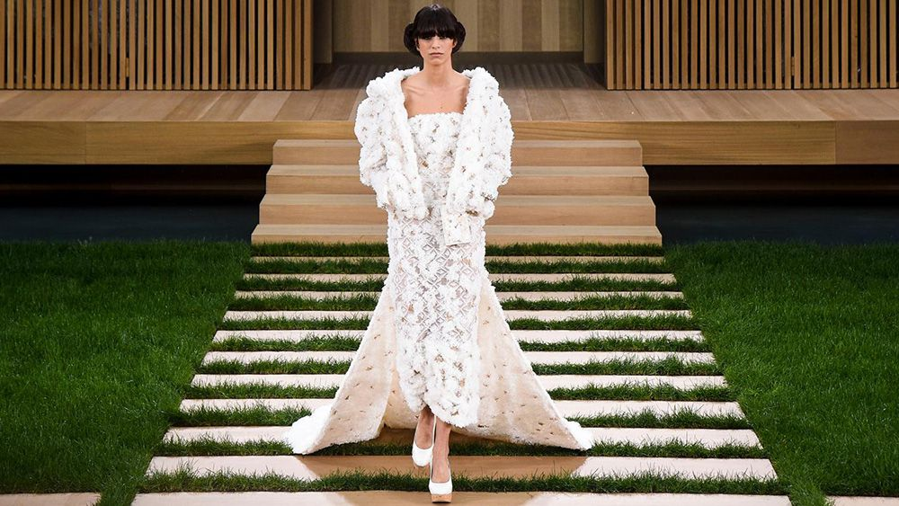 Chanel Haute Couture spring/summer 2016 runway
