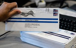 US Post Office 'can't guarantee' all November ballots will be counted