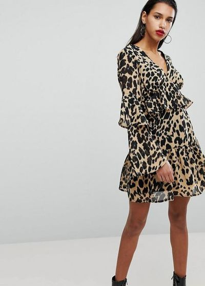 "<a href=""http://www.asos.com/au/neon-rose/neon-rose-smock-dress-with-frill-sleeves-in-leopard/prd/8868664?clr=leopard&cid=2623&pgesize=36&pge=0&totalstyles=922&gridsize=3&gridrow=2&gridcolumn=3"" target=""_blank"">ASOS Neon Rose Smock Dress with Frill Sleeves in Leopard, $64. </a>"
