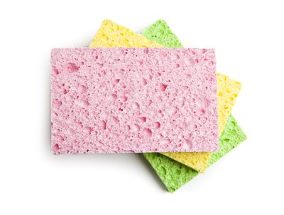 <strong>Sanitise sponges in the microwave</strong>