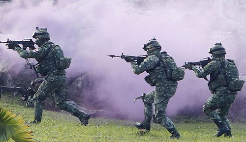 A file photo of Taiwanese soldiers holding military drills.