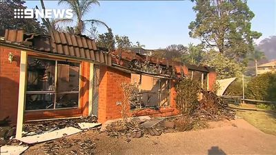 PM to visit town devastated by bushfire