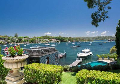 "<strong><a href=""http://www.realestate.com.au/property-house-nsw-vaucluse-121463898"" target=""_blank"">70 Wentworth Road Vaucluse NSW 2030</a></strong>"