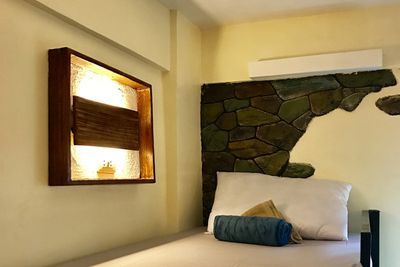 <p><strong>9. Outpost beach hostel , El Nido, Philippines</strong></p>