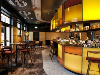 The Clare Bar (Sydney, Australia), Tonkin Zulaikha Greer