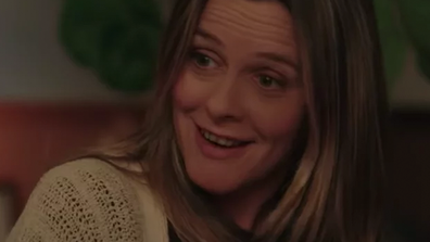 'Clueless' star Alicia Silverstone plays an older version of Julie.