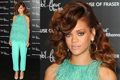 Rihanna chose this outfit to launch her new perfume? Something stinks!